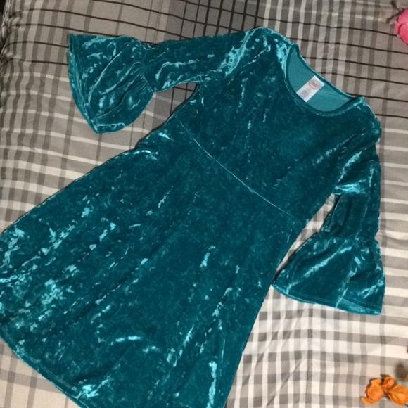 wonder nation Other - NWOT Girls teal velvet dress